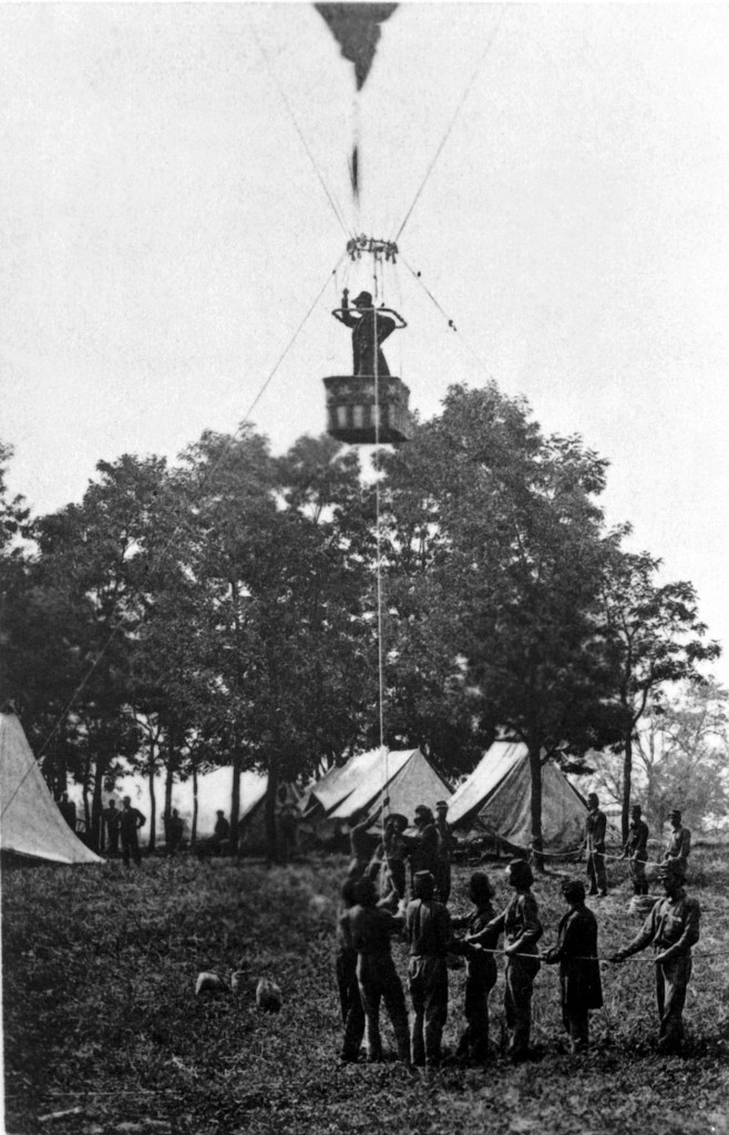 Thaddeus Lowe demonstrates his balloon during the battle of Fair Oaks, in June 1862. (National Archives)