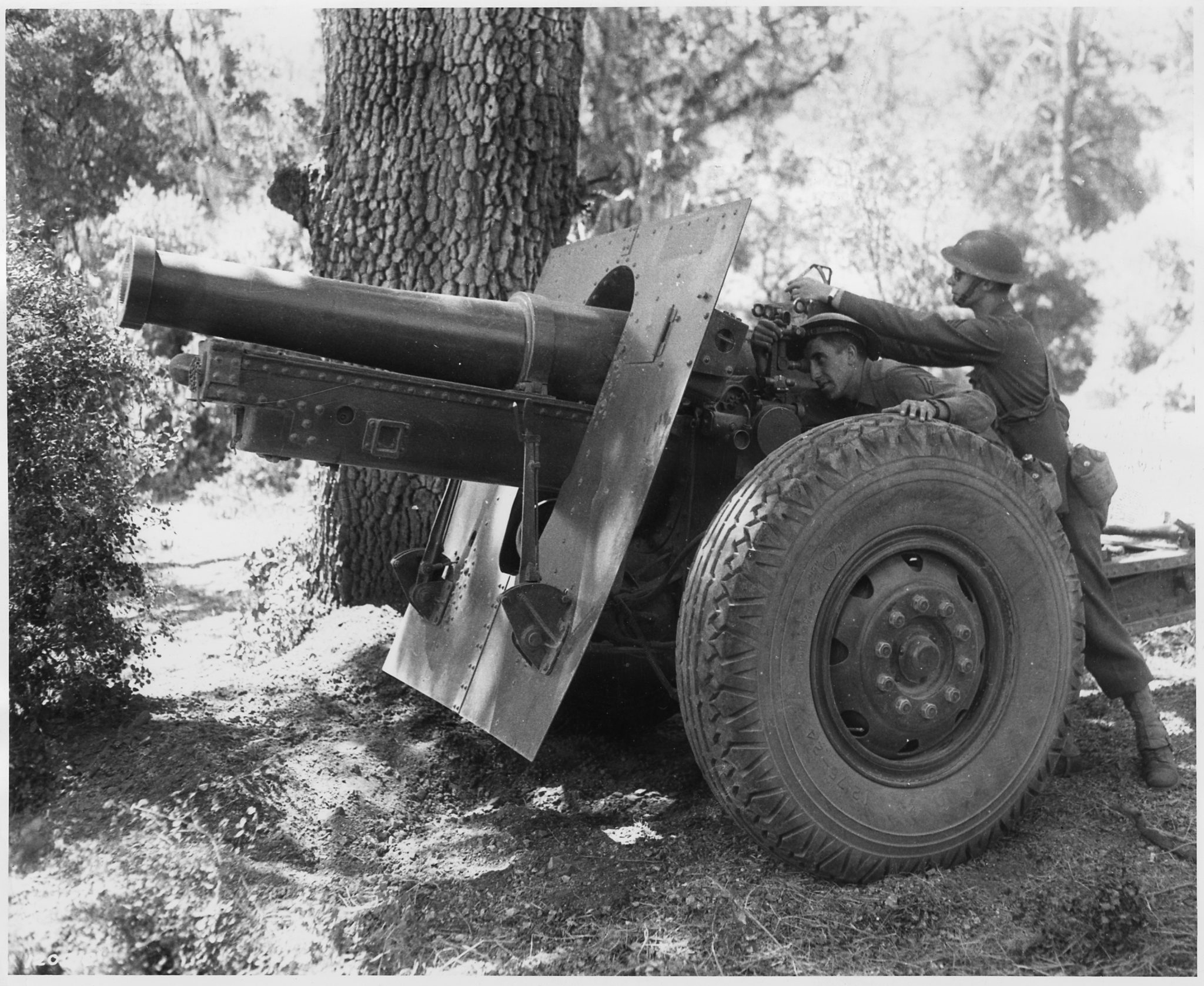 Image result for WW II us howitzer tank